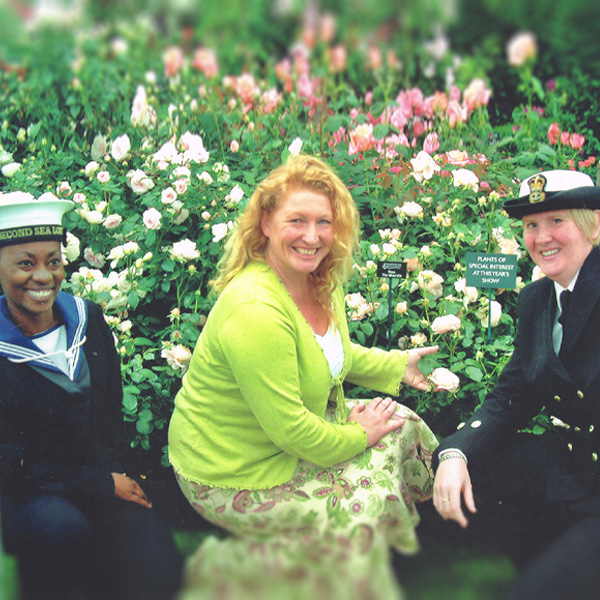 """Launch of """"The Wren"""" rose with Charlie Dimmock"""